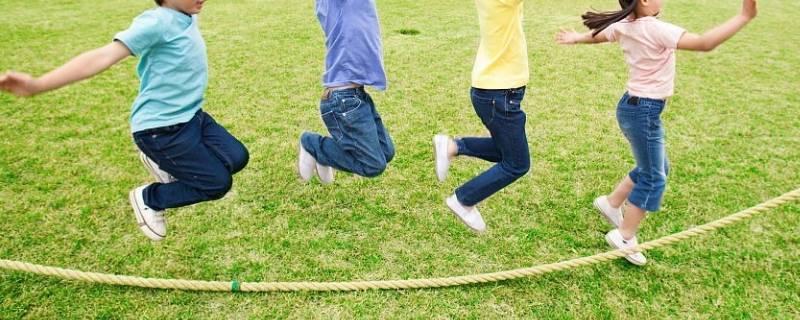 不用绳子跳绳效果一样吗