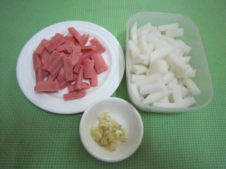 萝卜条怎么炒好吃(炒萝卜条怎么做好吃)插图2