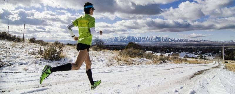 跑步前要做热身运动吗(跑步之前做什么热身)插图