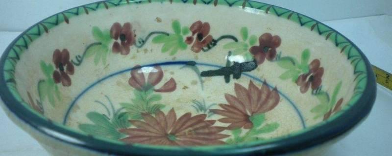 彩釉的碗对身体有害吗
