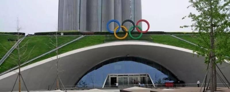 奥林匹克环的颜色( )环代表澳洲
